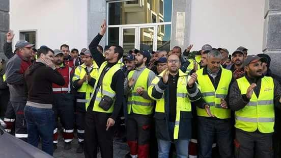 وقفة احتجاجية لعمال ومستخدمي شركة امانور